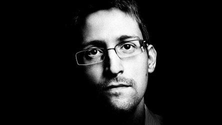 Edward-Snowden-Crime-Shop