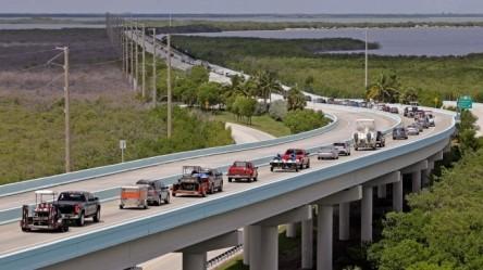 Florida-Evacuates-CrimeShop