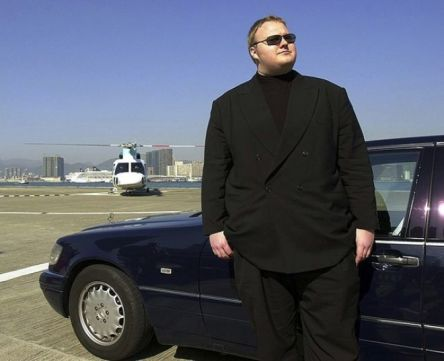 Kim-Dotcom-with-crimeshop