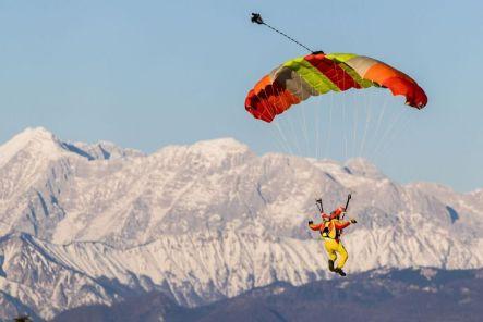 skydiver-troy-widgery-crimeshop