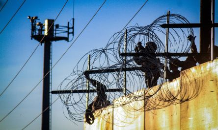 razo-wire-stolen-from-border-wall