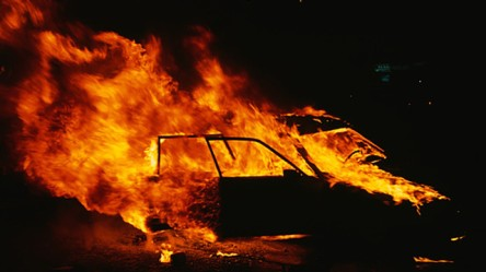 Florida-Mans-Car-set-on-fire-crimeshop.jpg