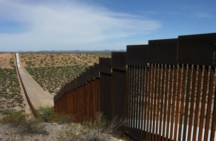holes-in-trumps-border-wall-crimeshop
