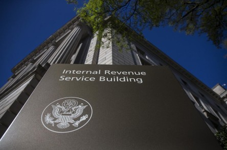 IRS_mistakenly-sends-stimulus-checks-to-foreigners-crimeshop